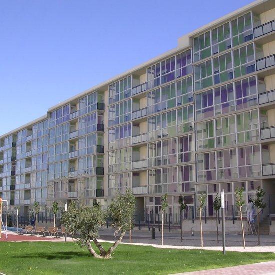 156 Viviendas en calle Los Puentes de Madison Zaragoza